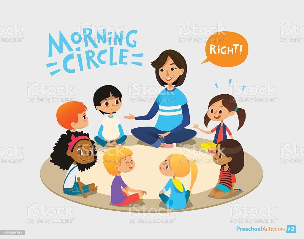 Smiling kindergarten teacher talks to children sitting in circle and - Illustration vectorielle