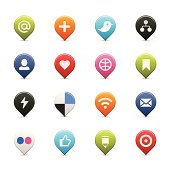 16 social media icons in both Vector & PNG format.
