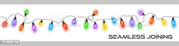 Блестящие Праздничные Рождественские Сказочные Огни На Кабельном Украшении Разноцветными — стоковая векторная графика и другие изображения на тему Ёлочная гирлянда