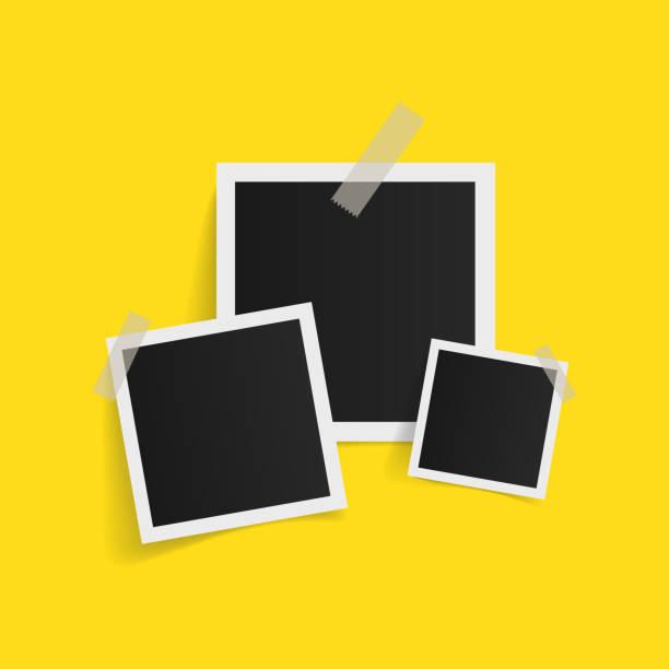 ilustrações, clipart, desenhos animados e ícones de molduras quadradas na fita adesiva em fundo amarelo. ilustração em vetor. - polaroid