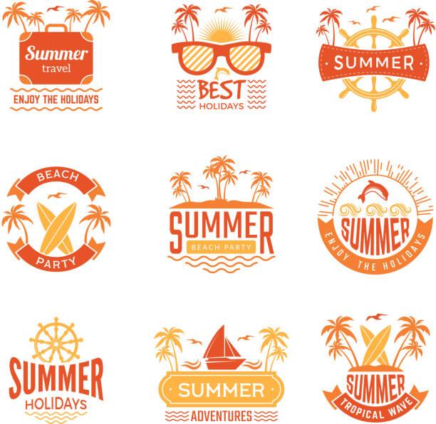 ilustraciones, imágenes clip art, dibujos animados e iconos de stock de insignias de verano. etiquetas de viaje y logotipos de palmeras las bebidas sol símbolos vectoriales tropicales de vacaciones - verano