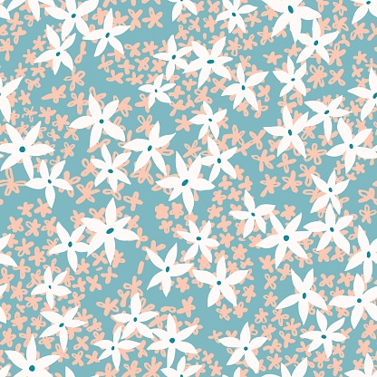 Summer floral seamless pattern made of small meadow flowers. Daisy background. Ditsy wildflowers ornament..