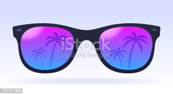 Summer sunglasses palm tree reflection idea.