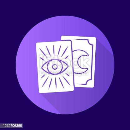 Tarot tarjetas púrpura plano diseño largo icono de glifo de sombra. Tarocchi, tarock, cartas de oráculo. Adivinación, cartomanía. Ocultacultismo, herramienta mágica de brujería. Ilustración de silueta vectorial