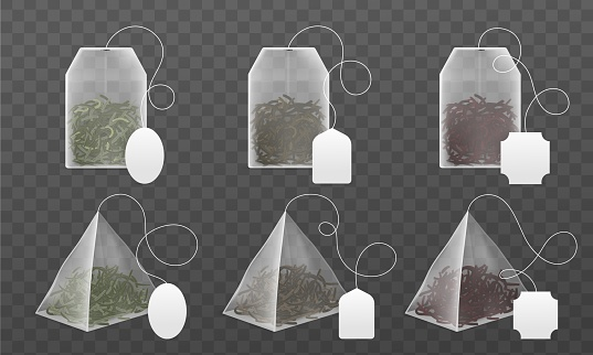 Tea bags mockup. Realistic disposable beverage infuser bags and pyramids sachet with blank labels, black and green dry leaves different types collection. Vector 3d isolated set