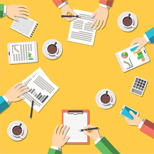 illustrazioni stock, clip art, cartoni animati e icone di tendenza di concetto di lavoro di squadra, riunioni di affari - business meeting, table view from above