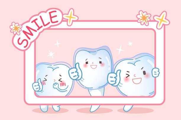 zähne tragen unsichtbare zahnspange - manschetten stock-grafiken, -clipart, -cartoons und -symbole