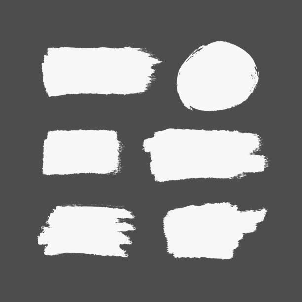 textur des weißen pinselstriche. rechteckige und runde striche. satz von isolierten pinselstriche. - kreide weiss stock-grafiken, -clipart, -cartoons und -symbole