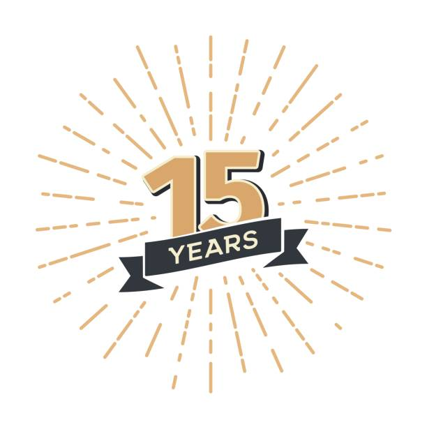 ilustraciones, imágenes clip art, dibujos animados e iconos de stock de 15 aniversario retro vector emblema de la plantilla aislada. icono vintage quince años con cinta y saludo sobre fondo blanco - anniversary