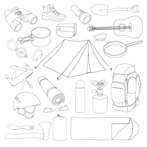 tourismus und camping-set. handgezeichnete vektor-illustration eines skizze-stils. - zeltausrüstung stock-grafiken, -clipart, -cartoons und -symbole