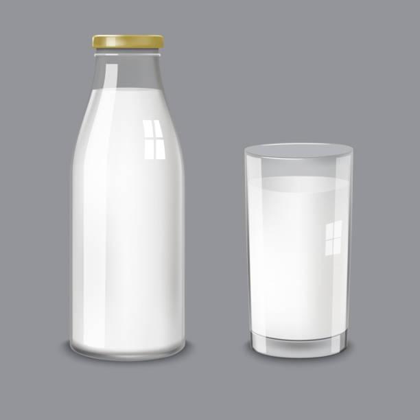 transparente glasflasche und ein glas milch - milch stock-grafiken, -clipart, -cartoons und -symbole