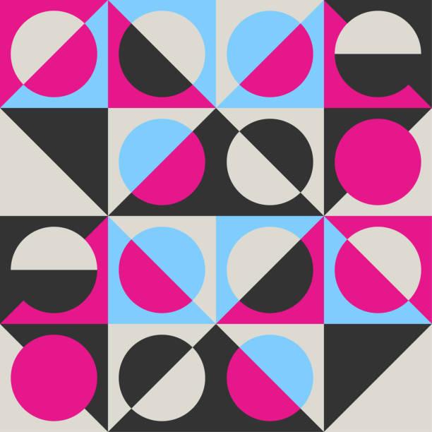 trendige geometrische nahtlose vektormuster mit kreise, quadrate und dreiecke. retro-bauhaus stil t-shirt drucken. - bauhaus stock-grafiken, -clipart, -cartoons und -symbole