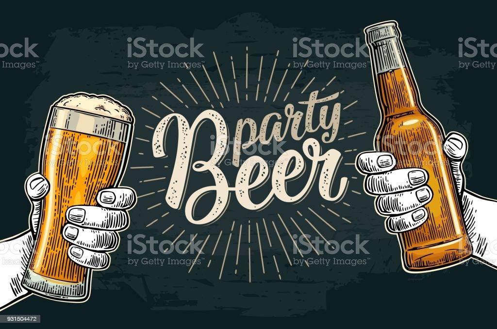 두 손 들고 병 맥주 안경와 부딪치는 - 로열티 프리 검은색 벡터 아트