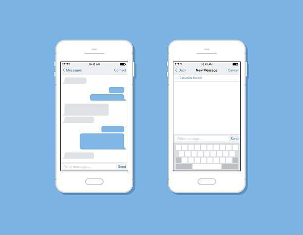 zwei smartphones mit chat-bildschirmen - sms stock-grafiken, -clipart, -cartoons und -symbole