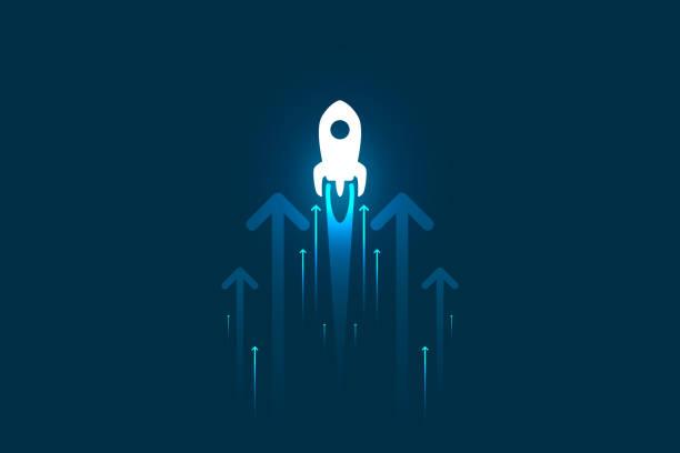 ilustraciones, imágenes clip art, dibujos animados e iconos de stock de arriba cohete y flechas sobre la ilustración de fondo azul, copiar la composición del espacio, concepto de crecimiento del negocio. - aparición conceptos