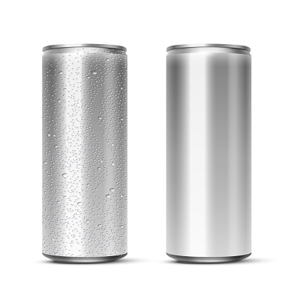 Vector 3D realistic aluminum cans with and without water drops isolated on white background. Empty mockup for beer, alcohol, soda, energy drink. Advertising and presentation design element.