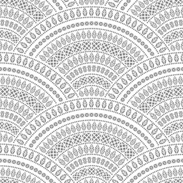 stockillustraties, clipart, cartoons en iconen met vector abstracte naadloze geometrische achtergrond van zwarte fan vormige sierlijke elementen met etnische patronen op een witte achtergrond. folklore, tribal. art deco behang, inwikkeling van batik verf, papier, textiel afdrukken, die betrekking hebben op - batik