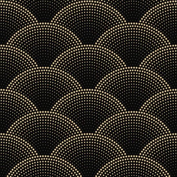 stockillustraties, clipart, cartoons en iconen met vector abstracte naadloze golvenpatroon met geometrische vis schaal lay-out. gouden metalen sterren op een donkere zwarte achtergrond. ventilator vormige kerst slingers. vakantie vuurwerk gouden decoratie, inpakpapier, behang - bloemen storm
