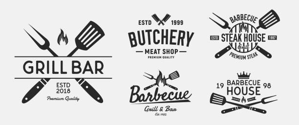 illustrations, cliparts, dessins animés et icônes de vector barbecue logo ensemble. 5 emblèmes de steak house vintage. étiquettes de barbecue et de restaurant, emblèmes, logo. steakhouse, restaurant barbecue, boucherie et boucherie. modèle de logo. - barbecue