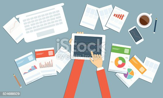 611747524istockphoto Vector business investment planning on device technology 524688529