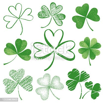 Set hand-drawn leaf clover for St. Patrick's Day