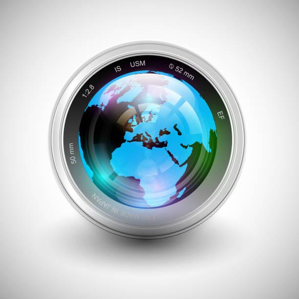 ilustraciones, imágenes clip art, dibujos animados e iconos de stock de ilustración vectorial de una cámara con tierra en ella - zoom meeting
