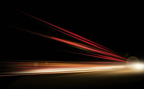 illustrations, cliparts, dessins animés et icônes de vector illustration simulation de feux de grande vitesse à l'exposition longue nuit trafic. lumières dynamiques dans une seule direction. - voiture nuit