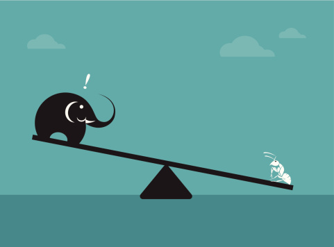 Vector Image Of An Elephant And Ant Stok Vektör Sanatı & Bolluk'nin Daha Fazla Görseli - iStock
