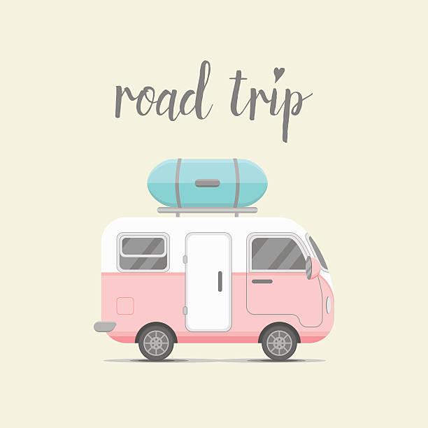 vektor-mini-caravan anhänger mit gepäck im feld - tour bus stock-grafiken, -clipart, -cartoons und -symbole