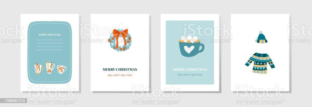 Cartoline vettoriali per il nuovo anno. Bevande festive, una corona sulla porta, una tazza di cacao con marshmallow, un accogliente maglione caldo e cappello. Carte carine per e-mail, volantini e poster per Natale - arte vettoriale royalty-free di 2020