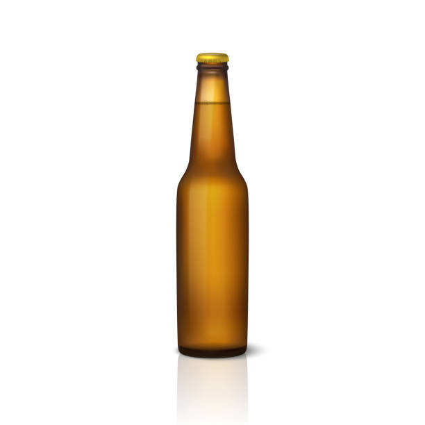 Vektor realistische 3d leer glänzend braune Bierflasche mit Kappe Symbol Closeup isoliert auf weißem Hintergrund. Design-Vorlage der Verpackung Mockup für Grafiken. Ansicht von vorne. Verpackung für design – Vektorgrafik