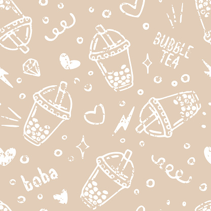 Vector seamless pattern with bubble tea in plastic cups and doodles. Popular drink with tapioca pearls. Chalk texture