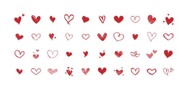 illustrations, cliparts, dessins animés et icônes de ensemble de vecteurs de différents coeurs rouges. collection de cœurs dessinés à la main. conception sur fond blanc. - coeur