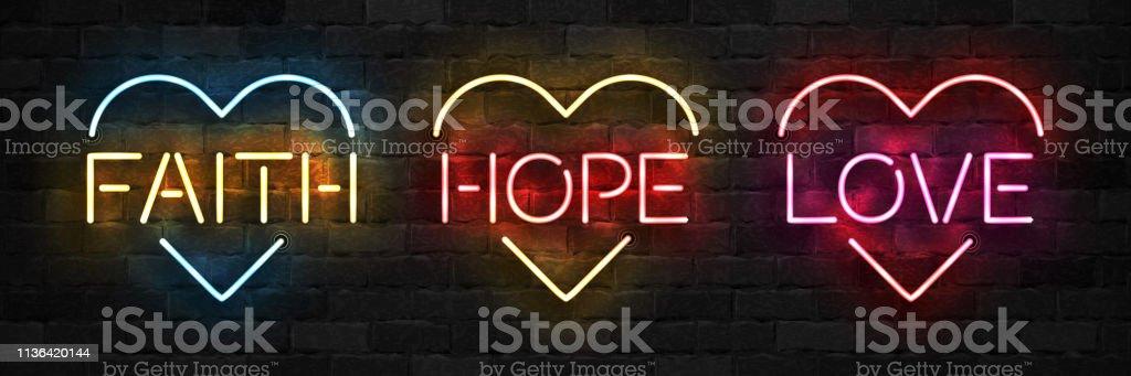在牆上背景上, 以心形為心形的現實孤立的霓虹燈符號向量集。 - 免版稅俄羅斯圖庫向量圖形