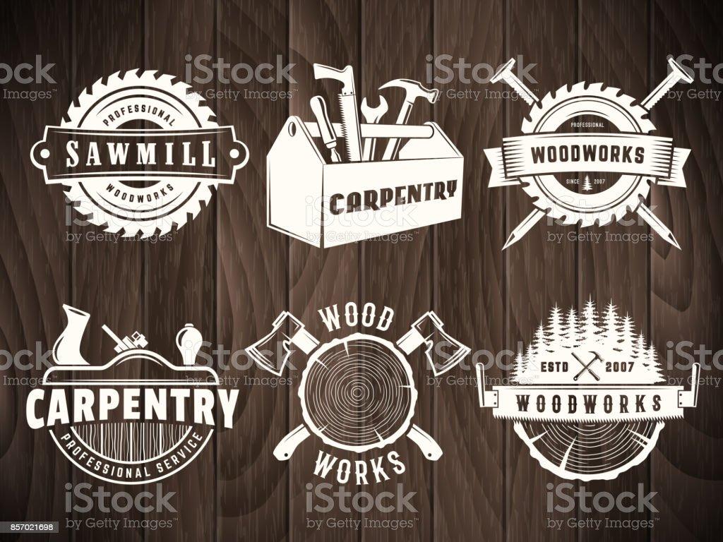 Insignia de madera Vector - ilustración de arte vectorial