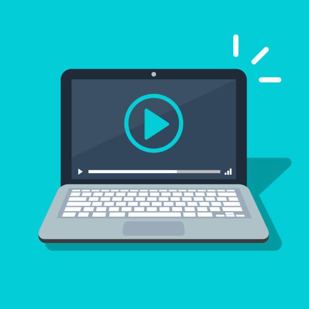 bildbanksillustrationer, clip art samt tecknat material och ikoner med video player-ikonen på laptop skärm. platt tecknad media player symbolen isolerade bild. vektorillustration. - laptop