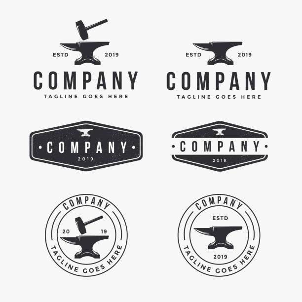 vintage-logo-set von amboss schmied, industrielle identität - metallverarbeitung stock-grafiken, -clipart, -cartoons und -symbole