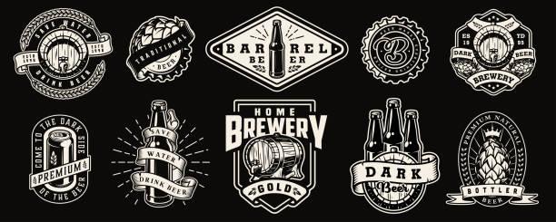 stockillustraties, clipart, cartoons en iconen met vintage monochroom brouwerij wordt afgedrukt - bier