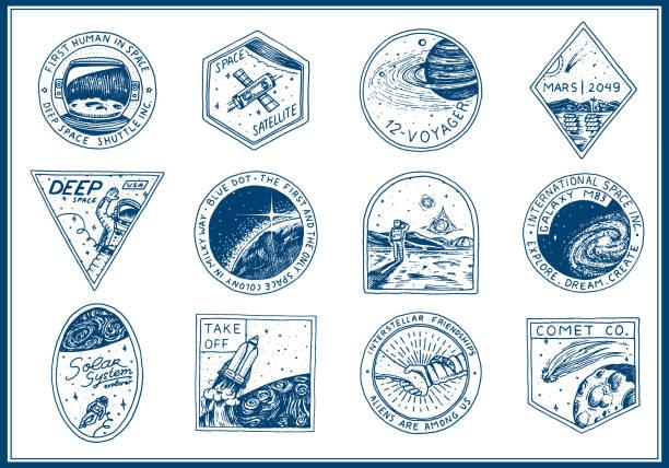 vintage space logo. erforschung der astronomischen galaxie. mission-astronaut oder spaceman. kosmonaut abenteuer. planeten und satelliten abzeichen emblem patch-aufkleber. gravierte hand gezeichnete skizze - erforschung des weltalls stock-grafiken, -clipart, -cartoons und -symbole