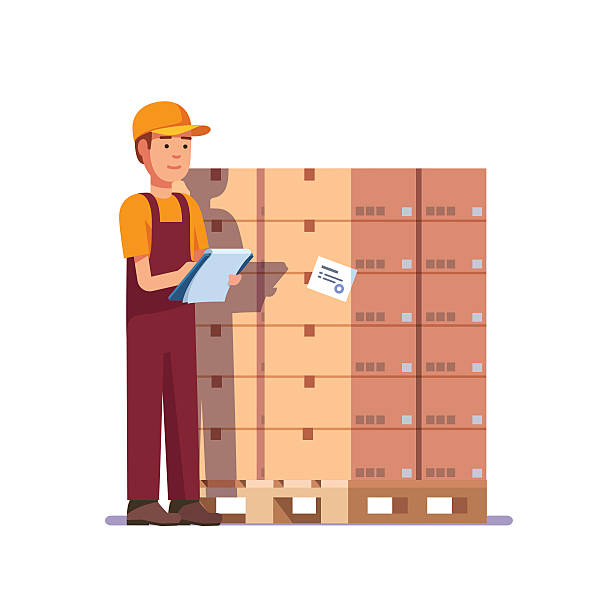 stockillustraties, clipart, cartoons en iconen met warehouse worker checking goods on pallet - warehouse worker