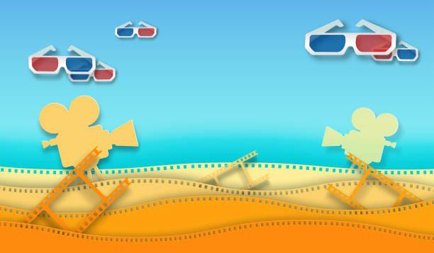 illustrations, cliparts, dessins animés et icônes de bande de film d'onde avec des glaces de film 3d et le projecteur de film d'isolement sur le fond coloré. fermez-vous vers le haut de la vue pour l'affiche de cinéma de mise en page de conception, bannière, dépliant. template cinéma avec de l'espace po - camera sculpture