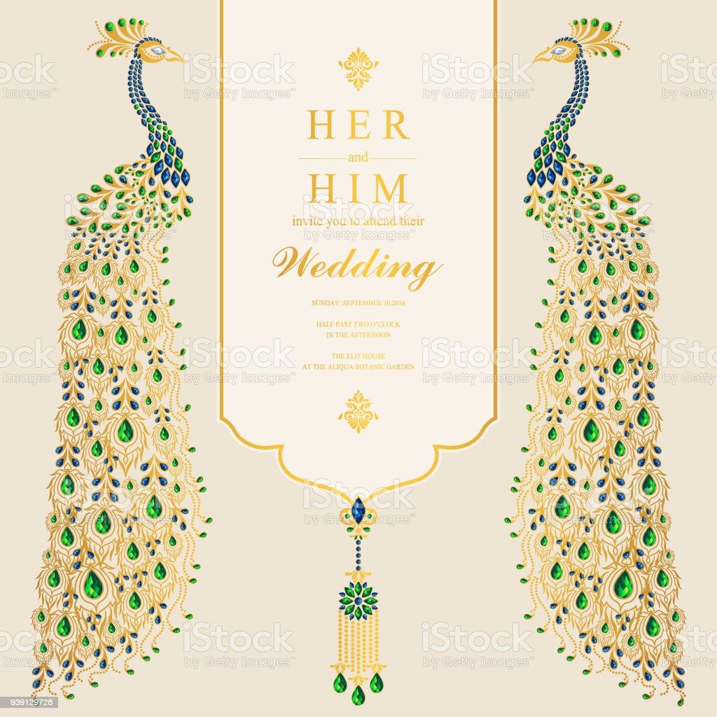 Hochzeit Einladung Kartenvorlagen Mit Gold Pfauenfedern Gemustert Und  Kristallen Auf Papierfarbe Hintergrund. Lizenzfreies Hochzeit Einladung