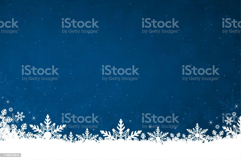 Neve di colore bianco e fiocchi di neve nella parte inferiore di un'illustrazione vettoriale di sfondo natalizio orizzontale blu scuro - arte vettoriale royalty-free di A forma di stella