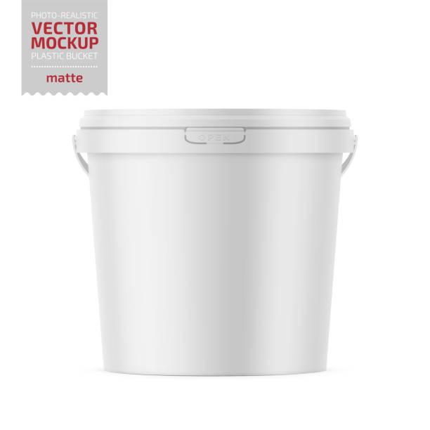 illustrazioni stock, clip art, cartoni animati e icone di tendenza di white matte plastic bucket with lid mockup. - gelato confezionato