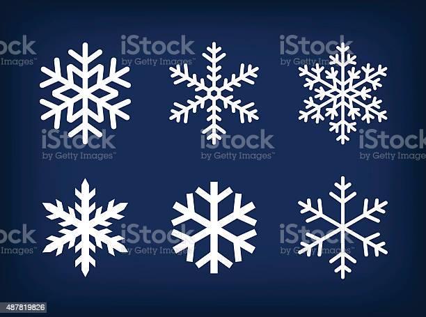 Белый Snowflakes На Темносинем Фоне — стоковая векторная графика и другие изображения на тему 2015