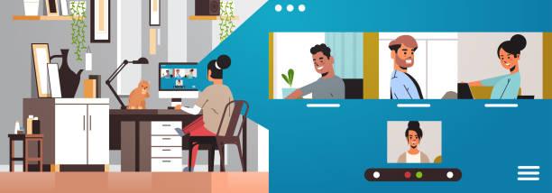 stockillustraties, clipart, cartoons en iconen met vrouw ontmoeting met mix race vrienden tijdens video-oproep covid-19 pandemische coronavirus quarantaine - corona scherm