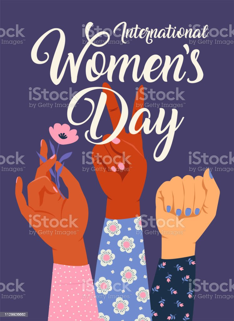 여자의 손을 올려 그녀의 주먹으로. 소녀 파워입니다. 페미니즘 개념입니다. 핑크색 파스텔 고트 색상 흰색 절연 현실적인 스타일 벡터 일러스트. 스티커, 패치 그래픽 디자인입니다. - 로열티 프리 3 명 벡터 아트