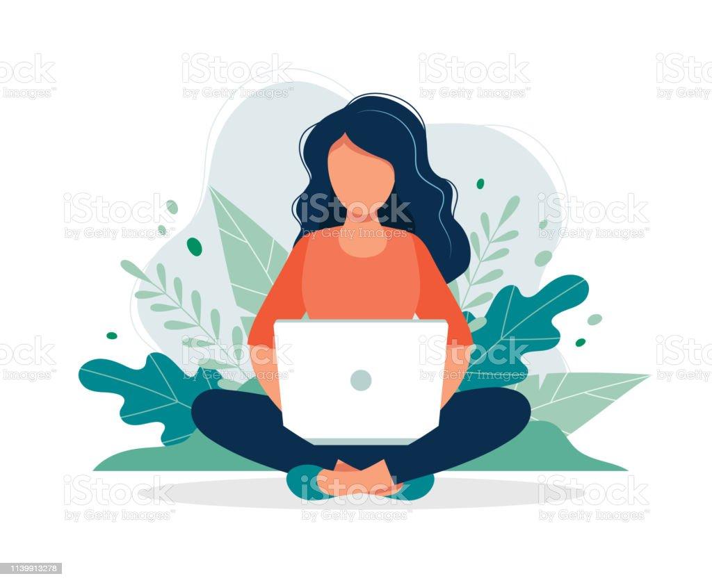 Femme avec l'ordinateur portatif s'asseyant dans la nature et les feuilles. Illustration de concept pour le travail, le pigiste, l'étude, l'éducation, le travail de la maison. Illustration de vecteur dans le modèle plat de dessin animé - clipart vectoriel de Adulte libre de droits