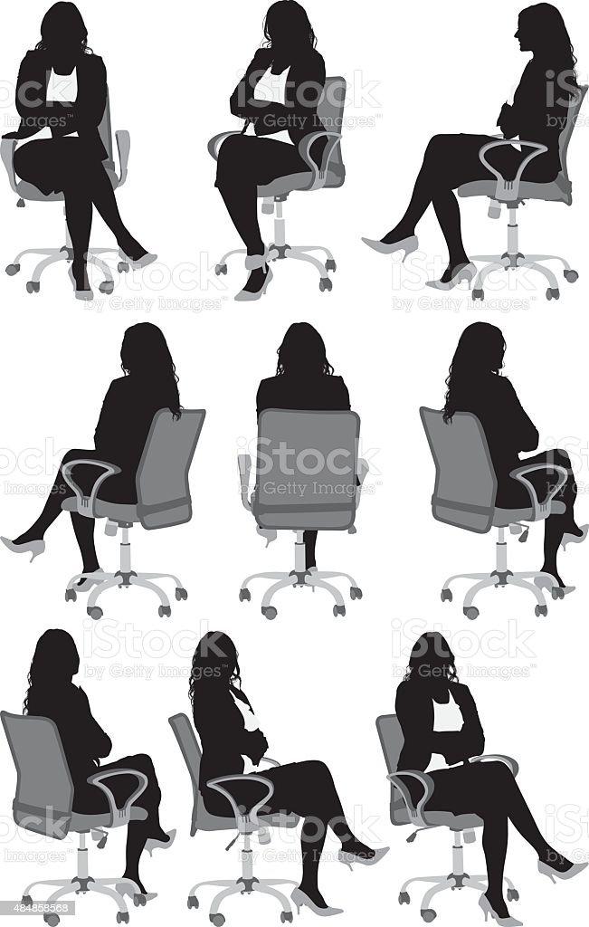 女性の椅子に座る ベクターアートイラスト