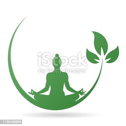 istock yoga_spross_gruen 1130495883
